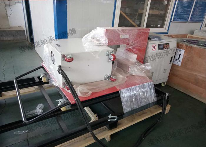 高频感应加热器由逆变器、谐振单元、变压器和感应器组成。主要原理是通过电磁感应原理均匀加热工件,实现工件的安装和拆卸;通过交变电流幅值随时间逐渐减弱,实现自动消磁功能。 1. 用途 WTRGT-120/380高频感应加热器用于3.0MW电机轴承的热装与热拆。主要原理是通过中高频感应均匀加热轴承内、外圈,实现轴承内、外圈尺寸均匀膨胀,产生足够的间隙,从而实现轴承的套装和拆卸;设备带自动消磁功能  2.